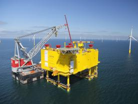 The SylWin1 platform (864 MW), which measures 83 x 56 x 26 m (L x W x H), is the world's largest installed converter platform. It will transmit the energy produced by the three North Sea wind farms Dan Tysk, Butendiek and Sandbar ashore.