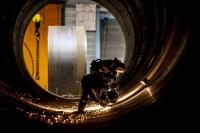 The quality of a monopile is largely dependent on the welding of the individual segments. (Photo: Vattenfall)